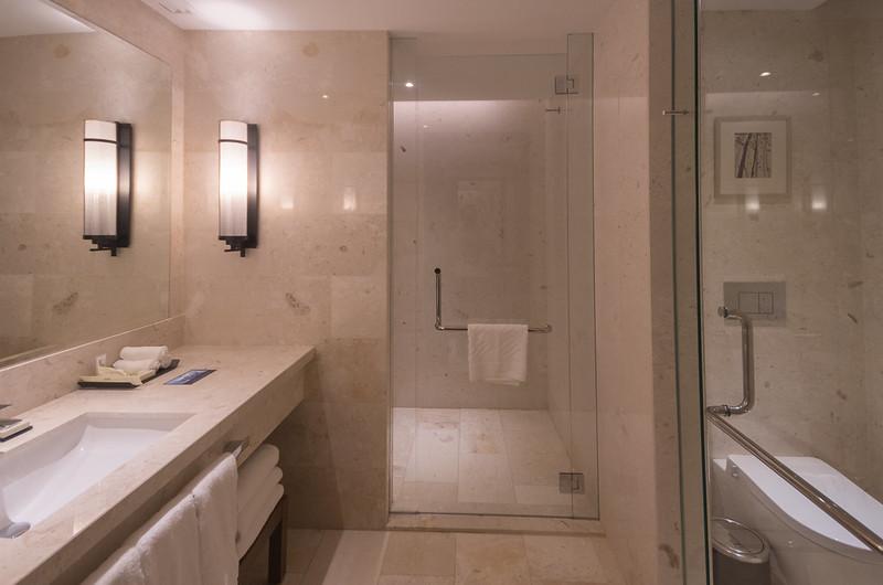 bathroom at hilton kota kinabalu - Bathroom Accessories Kota Kinabalu