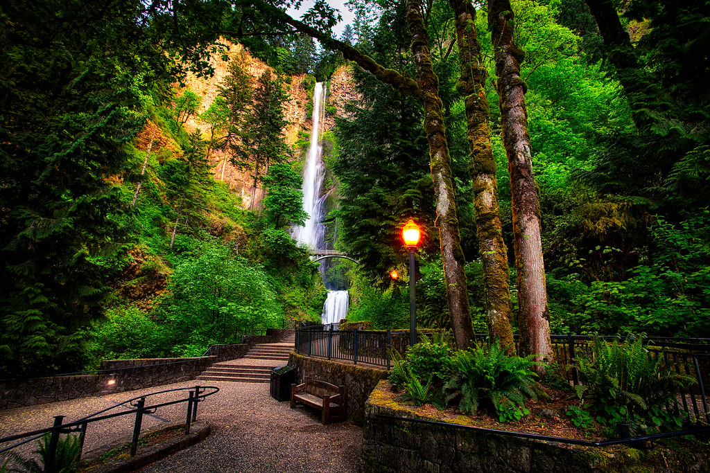 3d Wallpaper Before And After The Beautiful Multnomah Falls In Oregon By Michael Matti