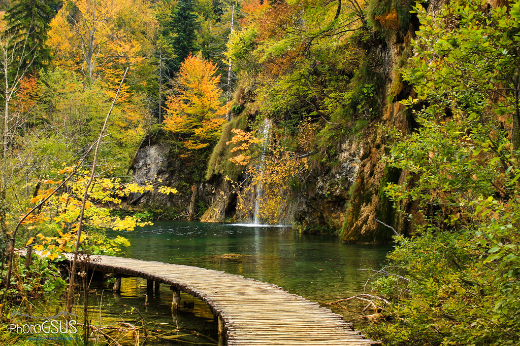 New England Fall Wallpaper Walking On Water Autumn In Plitvice Lakes National Park