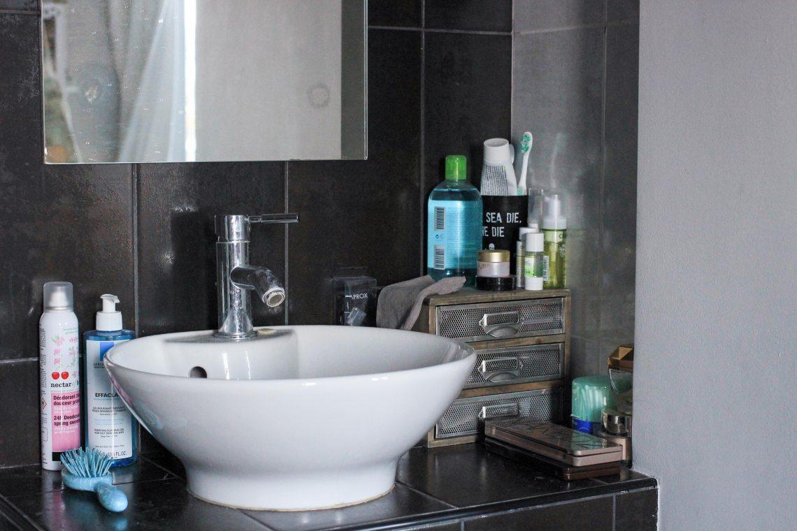 1-salle-de-bain-deco-gant-demaquillant
