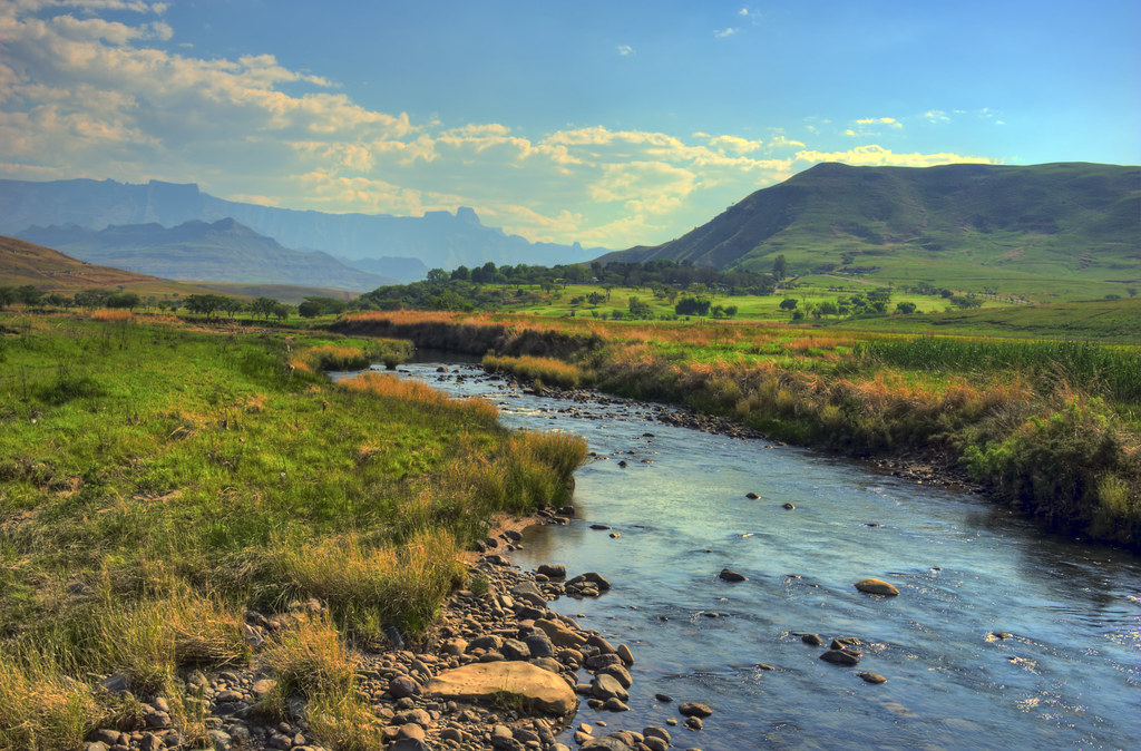 Wallpaper Natal Hd River In The Mountains A Landscape Of The Drakensberg Moun