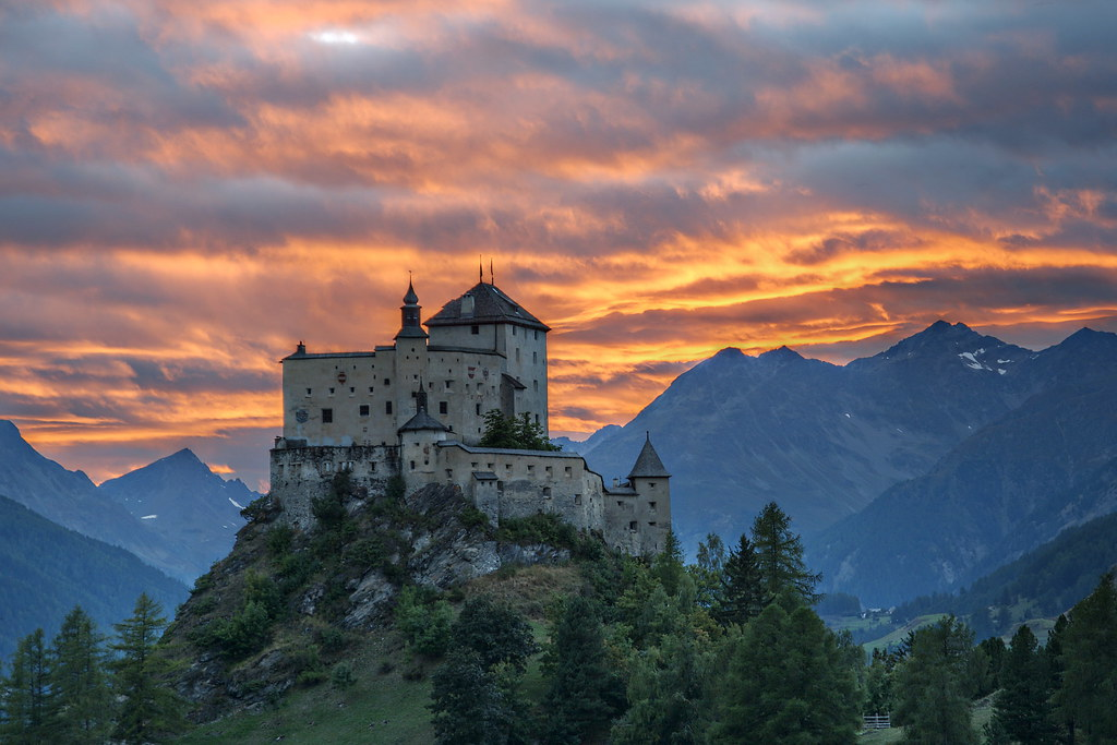 Wallpaper Sunset 3d Tarasp Castle In The Sunset Tarasp Castle An Old