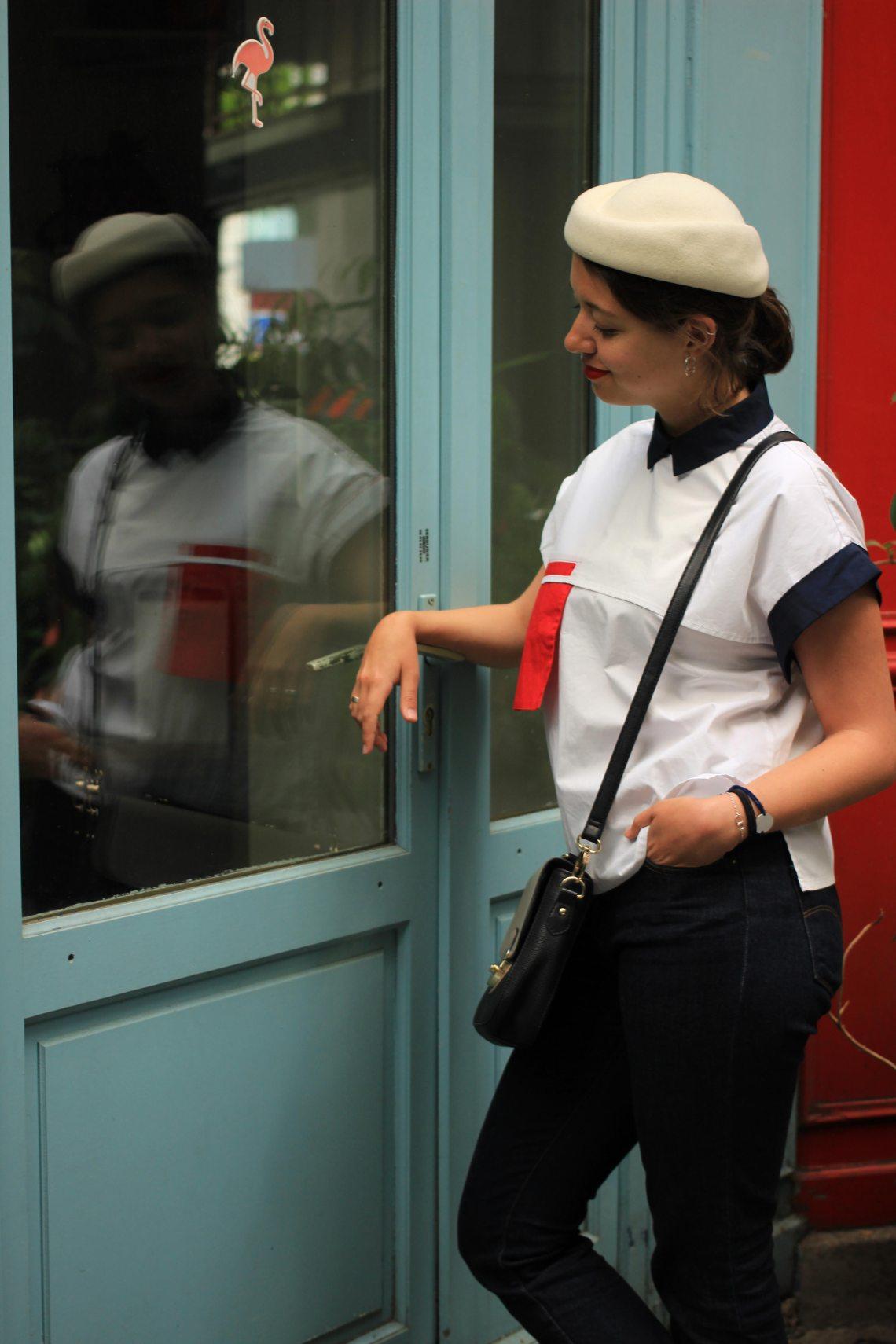 10-reflet-dans-le-miroir-tenue-asymétrique-chemise-rouge-et-blanche