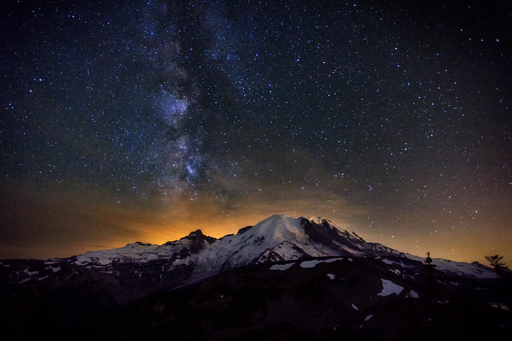 Rainy Fall Day Wallpaper The Milky Way Over Mt Rainier By Michael Matti We Hiked
