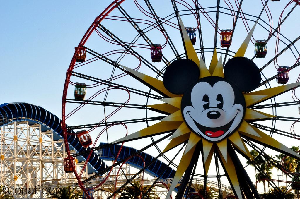 Mickey Mouse 3d Wallpaper Disneyland Mickey S Fun Wheel At The Disney Social Media