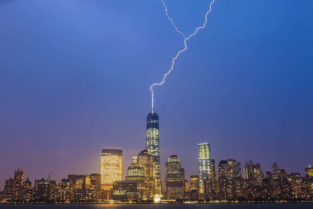 3d Street Art Wallpaper Lightning Strikes World Trade Center 7 15 2014 6 Of 6
