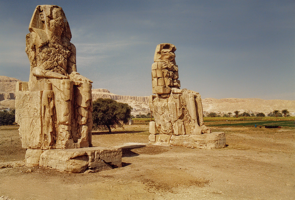 3d River Wallpaper Colossi Of Memnon Luxor Egypt The Colossi Of Memnon