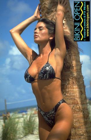 Oakland Raiders 3d Wallpaper Bikini Open 158 Pictures From The Bikini Open Series