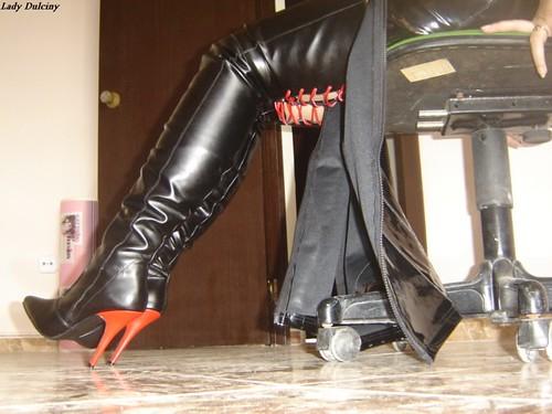 Botas Con Tacon Rojo Boots With Red Heels Lady Dulciny