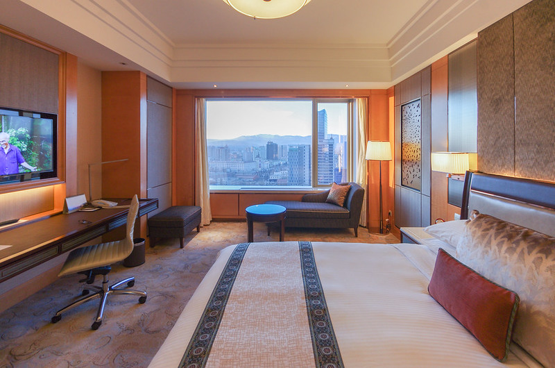 Hotel review shangri la ulaanbaatar mongolia 39 s first for Decor hotel ulaanbaatar