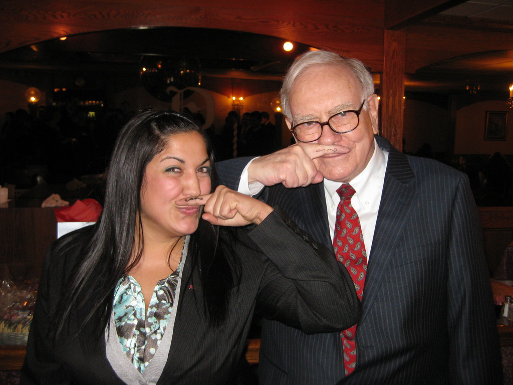 3d Wallpaper Warren Buffett With Fisher College Of Business Student