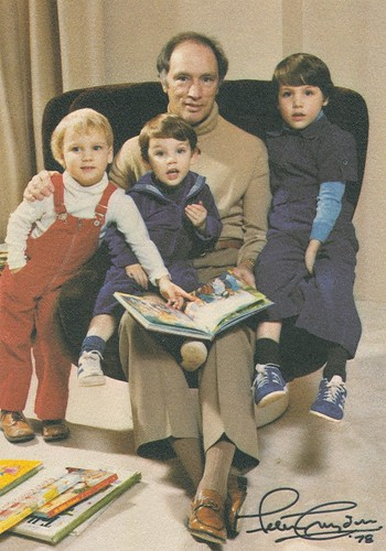 Family Quotes Wallpapers Hd Pierre Elliott Justin Sacha And Michel Trudeau 1978 Flickr