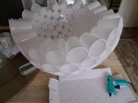 lamp van plastic bekertjes zelf maken 6/12   en nog verder ...