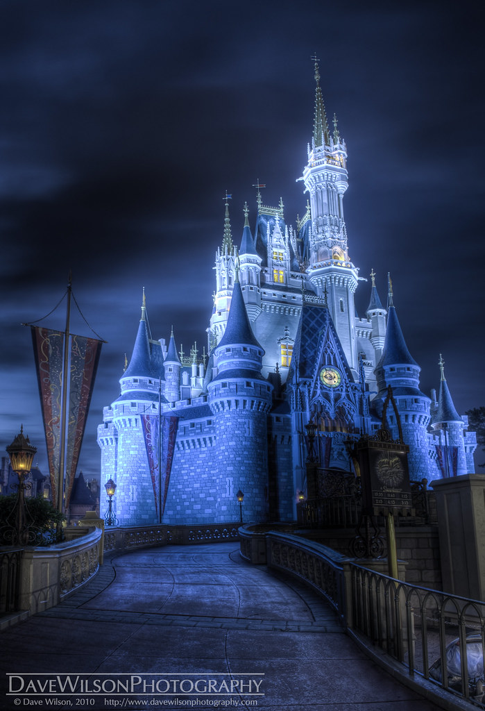 Disney Cartoon Characters Wallpapers In 3d Cinderella S Castle Spooky Remix A Somewhat Spookier