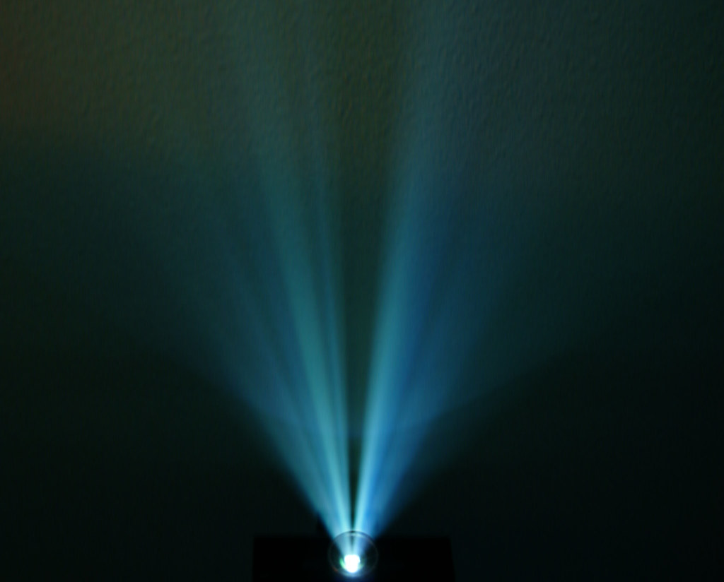 3d Hologram Effect Wallpaper Hdtv Projector Beam While Watching A Movie In My Friend