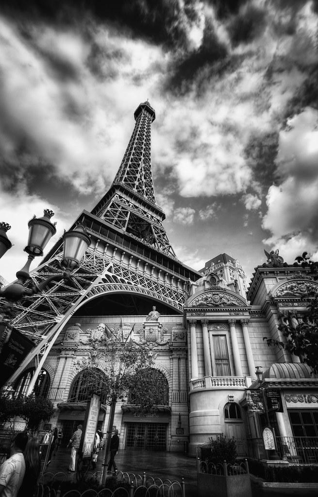 Camera Girl Photography Wallpaper Paris Paris In Las Vegas Black Amp White I Think It Is