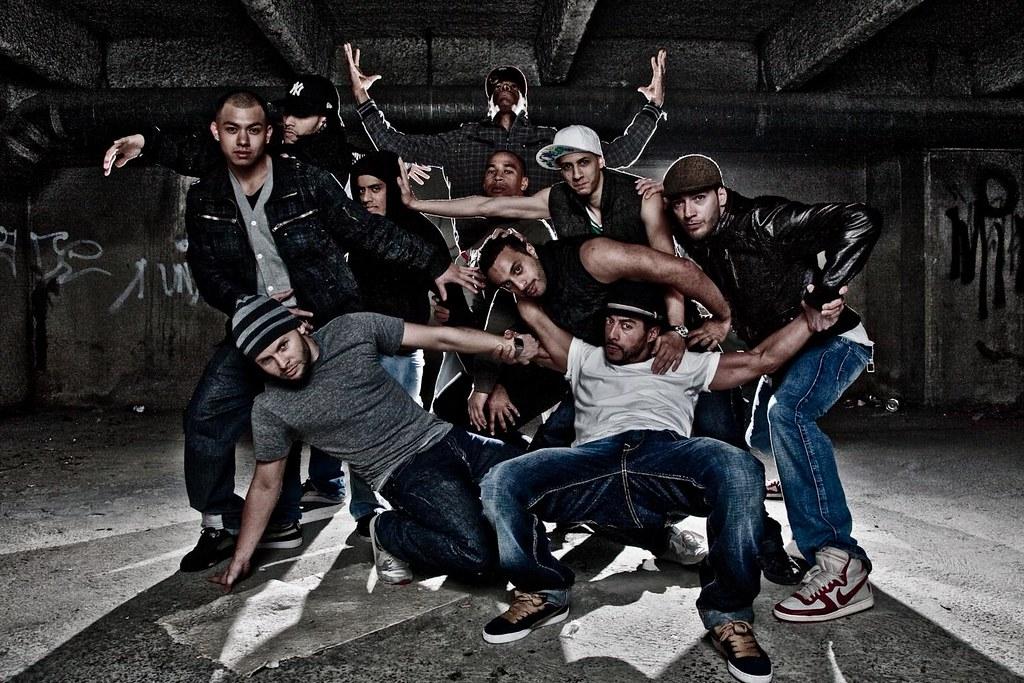 3d Dance Wallpaper Pro Phenomen Hip Hop Dance Group Two Bare Sb26 1 16t