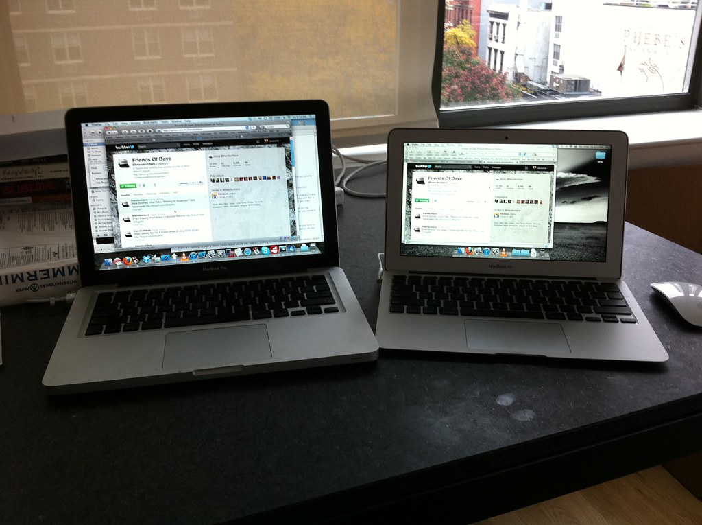 Side by side comparison of MacBook Pro 13 and Air 11 Flickr
