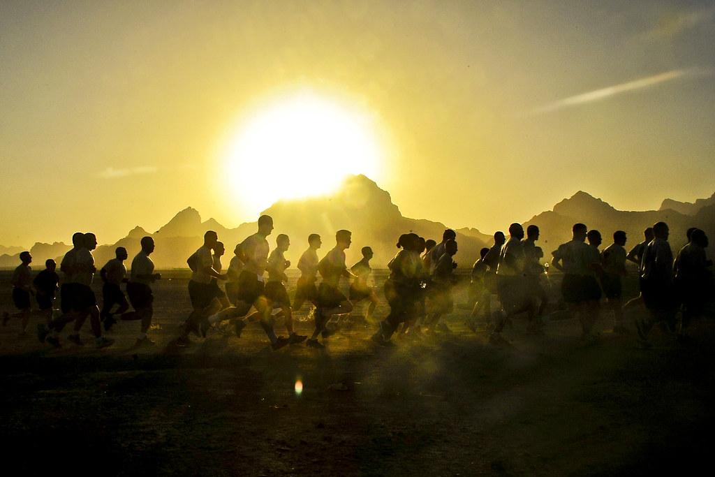 Wallpaper Fitness Quotes Sunrise Run U S Army Soldiers Participate In A 2 35