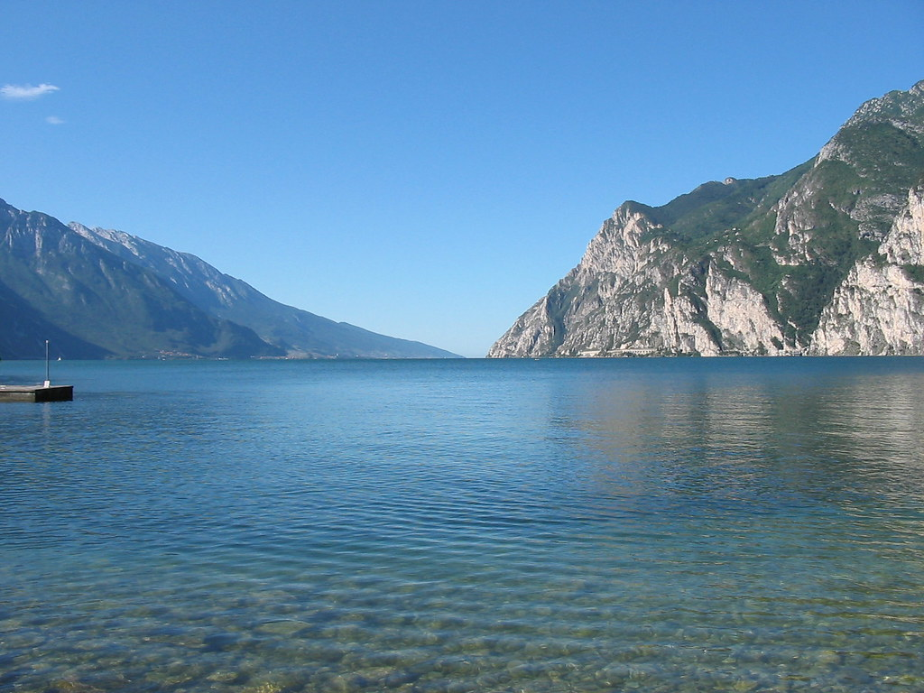 Some 3d Wallpapers Lake Garda In Italy Lake Garda In Italy Seen From The