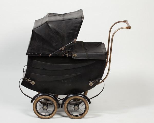 Baby Stroller With Leather Handle A Small Pram C 1920 1930 1984 126 The Pram Is