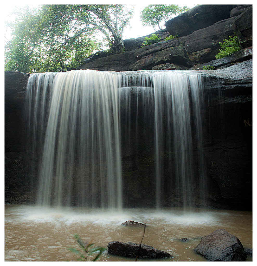Dark Forest 3d Wallpaper Waterfall Location Siyadevi Chattisgarh About 70 Km