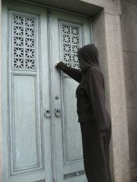 Death knocking at the door--again. | Navelgazer makes a ...