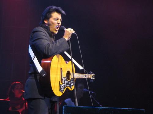 Red Star 3d Wallpaper Red Robinson Introduces Award Winning Elvis Tribute Artist