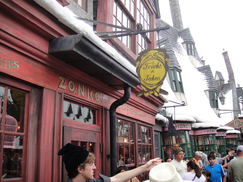 The Online Joke Shop Wizarding World Of Harry Potter Zonkos Joke Shop Flickr