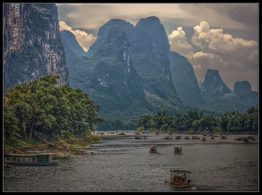 3d River Wallpaper Chinese Landscape Hdr Sailing On The Li River Guilin