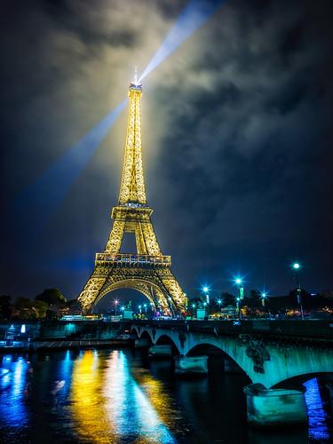 Wallpaper 3d Pc Hd Eiffel Tower Night A Beautiful Final Night In Paris