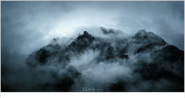 De dreigende bergtoppen van de Hohe Tauern, een wereld die niet van deze Aarde lijkt. (Sony A9 + Canon EF 24-70L II @ 70mm | ISO400 | f/9 | 1/320)