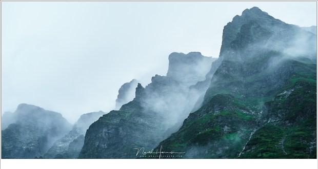 De ruige bergtoppen van de Hohe Tauern boven de Hintersee (Sony A9 + FE100-400mm @ 132mm | ISO400 | f/8 | 1/125)