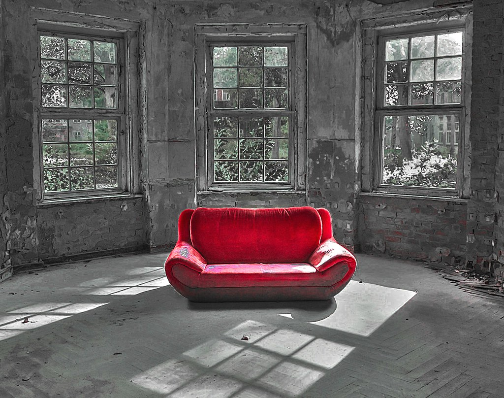 Rotes Sofa Welche Wandfarbe Rotes Sofa Best Weies Plakat Auf Betonmauer Rotes Sofa