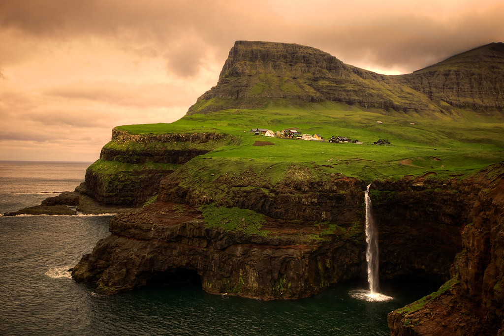 Free 3d Desktop Wallpapers Backgrounds G 225 Sadalur And Mulafossur Waterfall Faroe Islands Flickr
