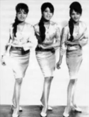 Girl With Camera Hd Wallpaper The Ronettes 1960 S About The Popular 1960 S Rock Pop