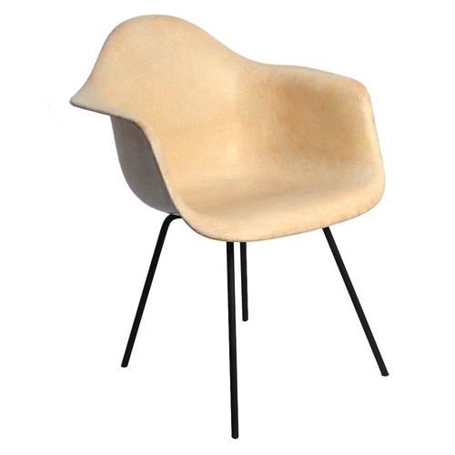 Eames Fiberglass Lounge Chair Tan Or Off White Mustard