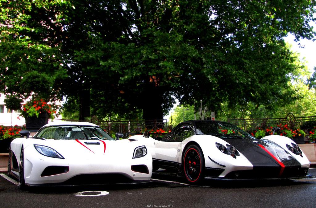 Super Cars 3d Wallpapers Koenigsegg Agera R And Pagani Zonda Cinque Roadster Exp