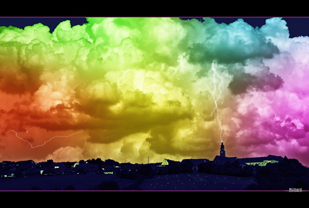 Free Pc Wallpaper 3d Bunte Wolken Wieder Mal Eine Spielerei Von Mir
