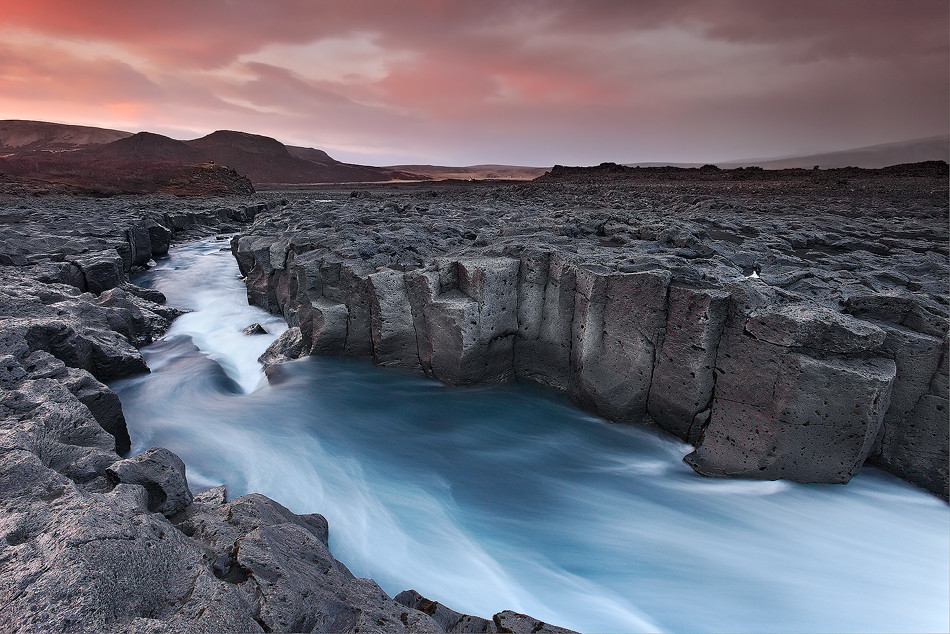 Fall Mountain Wallpaper Cold River H 250 Safell In Borgafj 246 R 240 Ur Iceland Finally