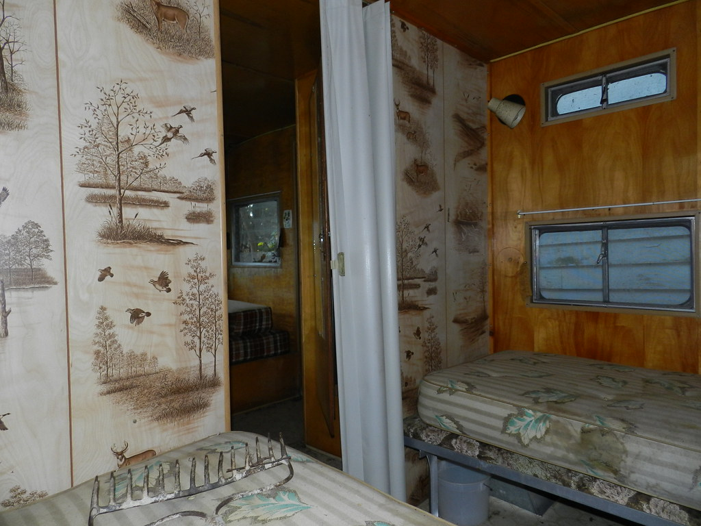3d Picture Wallpaper Abandoned Trailer Interior Please Note The Awesome