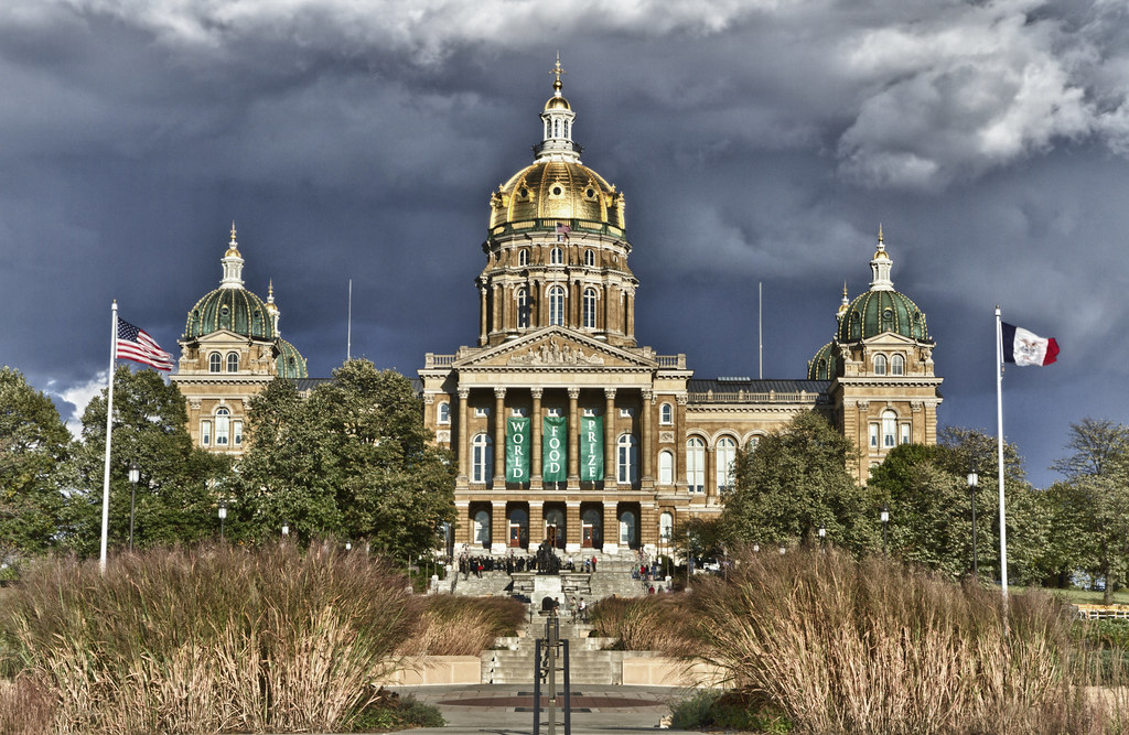 October Fall Wallpaper Iowa State Capitol Building An Hdr Of The Capitol