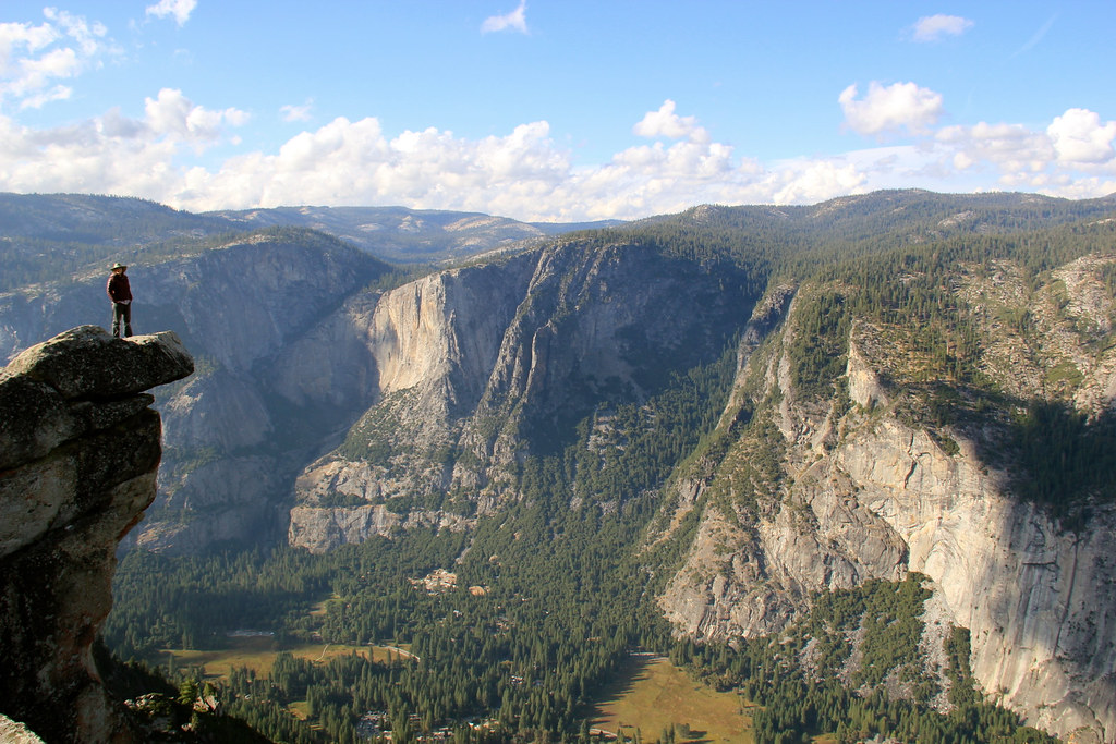 Yosemite Falls Wallpaper Snapshot Of Patti Overlooking The Glacier Point Vista Flickr