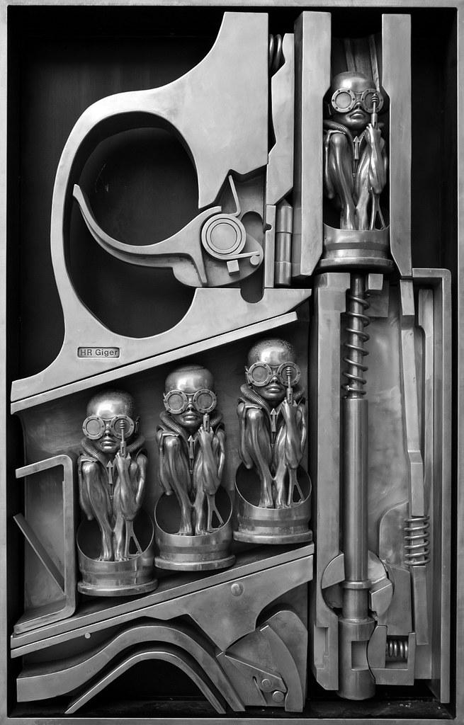 3d Wallpaper Star Wars Birth Machine H R Giger Birth Machine Sculpture On