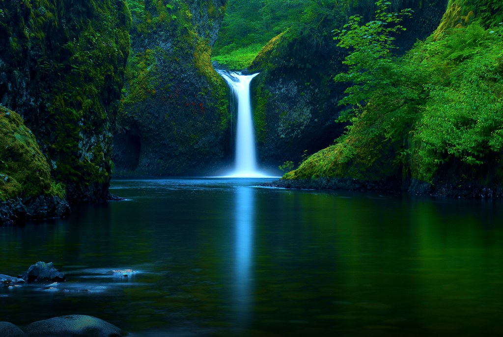 Pc Wallpaper 3d Love Punchbowl Falls Oregon The Color Is Slightly More