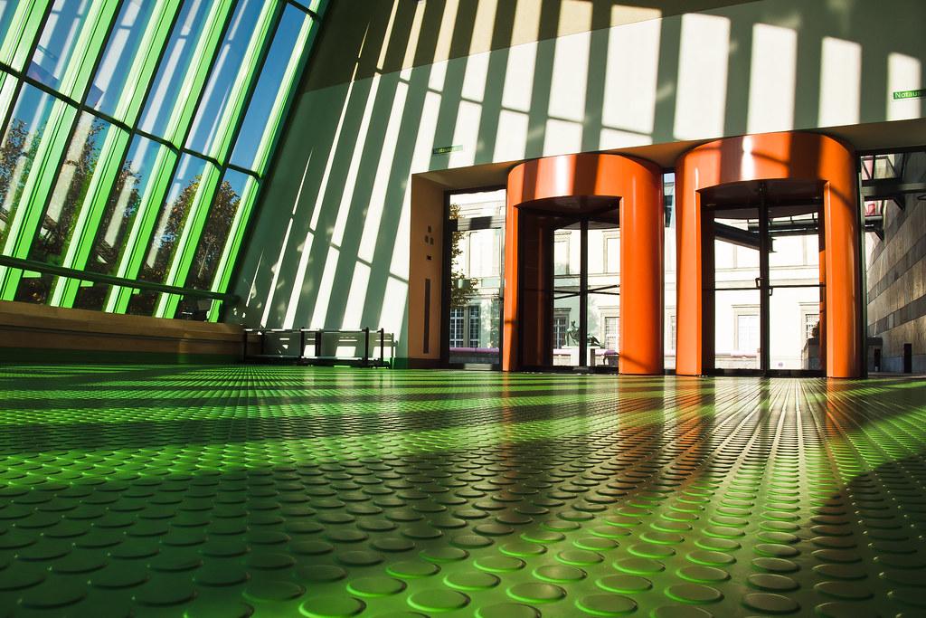 Rundnoppe Foyer Der Neuen Staatsgalerie In Stuttgart