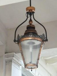 gaslight, gaslamp, gas light, gas lamp, West Halkin Street ...