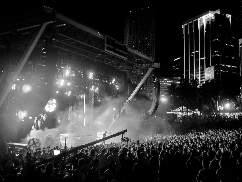 Dark Wallpaper Hd 1920x1080 Live Stage Bassnectar Ultra Music Festival 2012 Flickr
