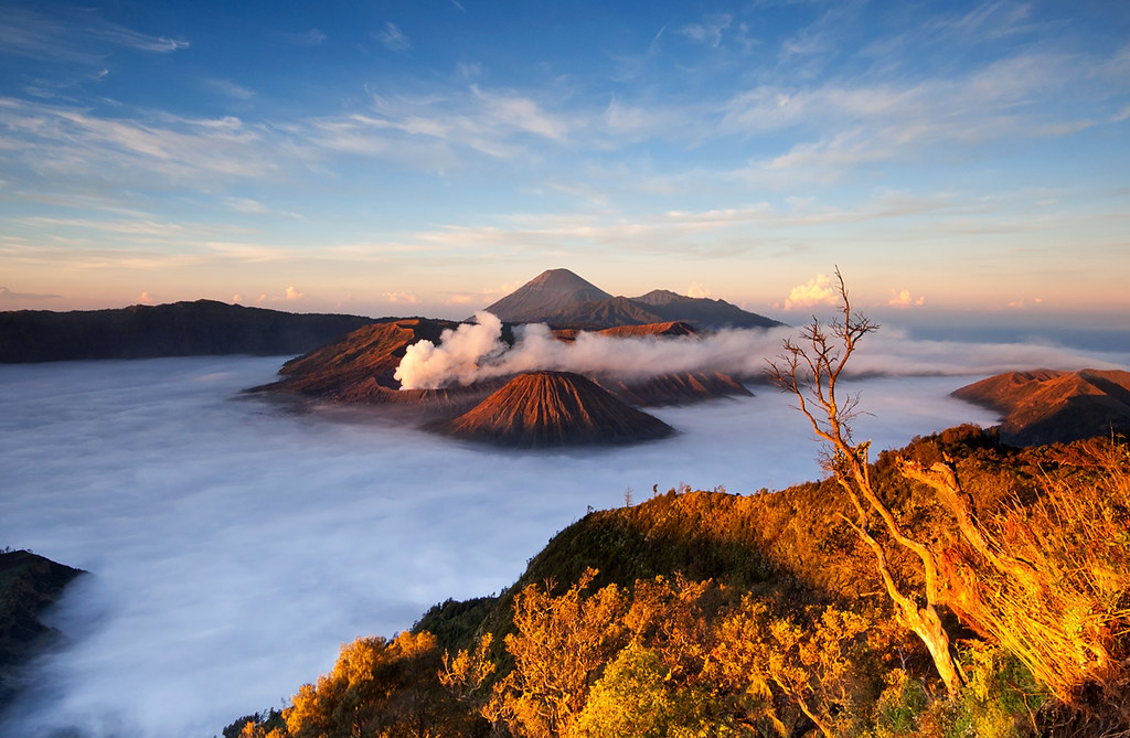 3d Waterfall Wallpaper For Mobile Mt Bromo Sunrise From Penanjakan View Point Mt Bromo