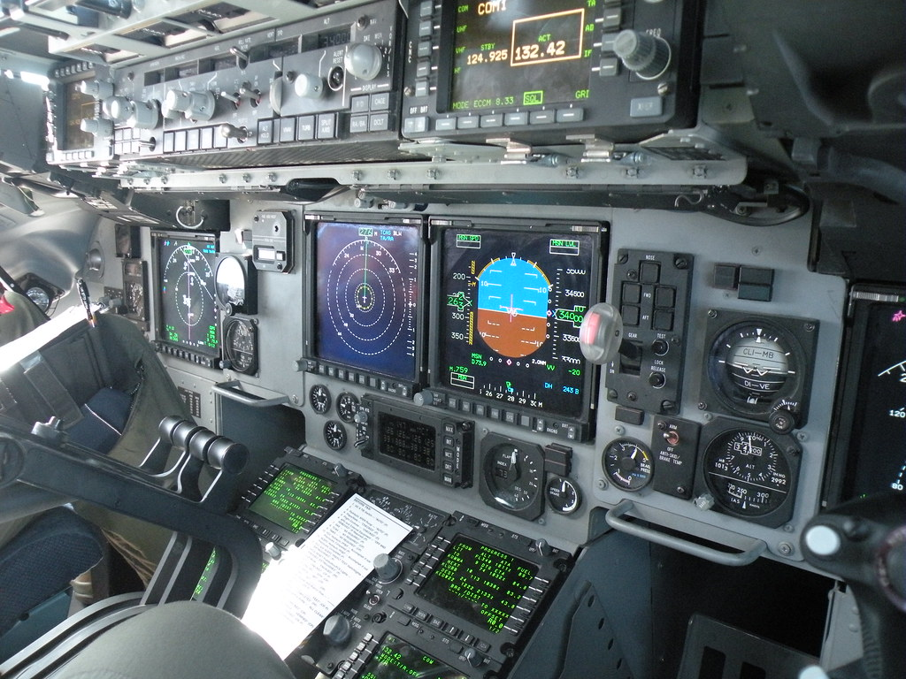 Airplane 3d Wallpaper C 17 Cockpit Displays And Controls Mark Jones Jr Flickr
